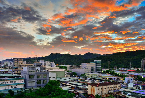 taiwan newtaipeicity shulin sunset sky cloud scenery outdoors 台灣 新北市 樹林區 夕陽 火燒雲