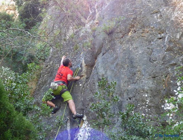 Roger Ferrer - Isaac, V+_6a -02- El Castellot, Sector De Sota (15-07-2017)