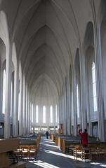 Nave and chancel, Hallgr�mskirkja, Sk�lav�r�uholt, Reykjav�k, Iceland