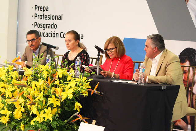 Gaspar Manuel Zavala Taylor: Escribe para padres e hijos