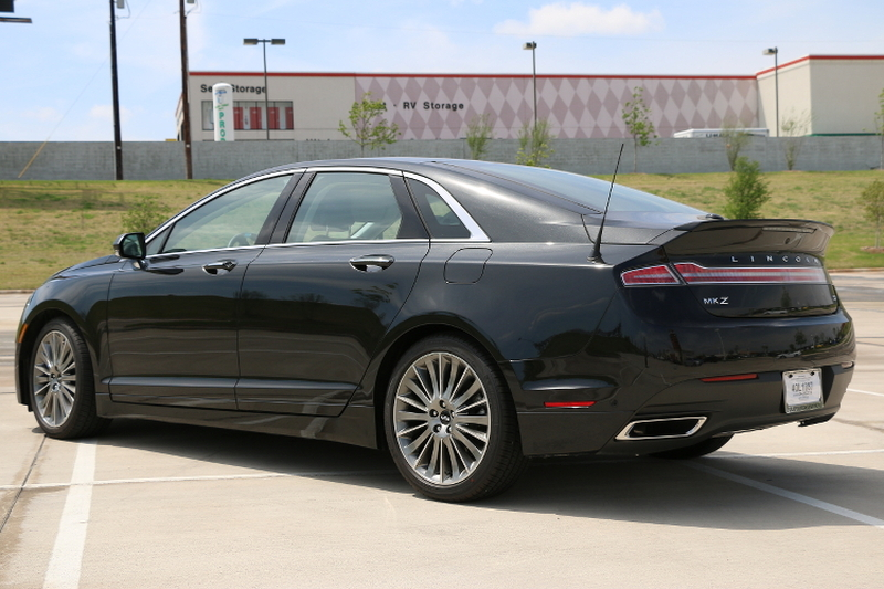 LincolnMKZ-Luxury-Uncovered-car-review-3