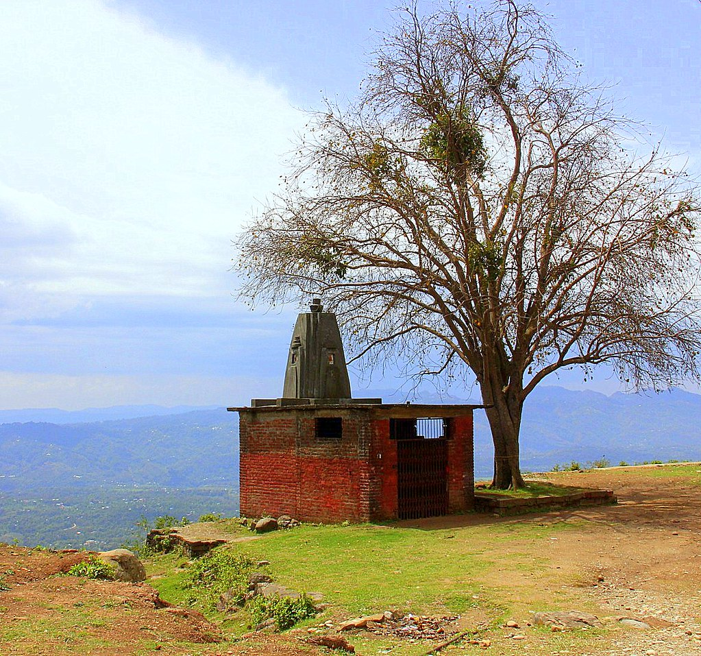 There are many opportunities to practise meditation on your Dharamkot trip