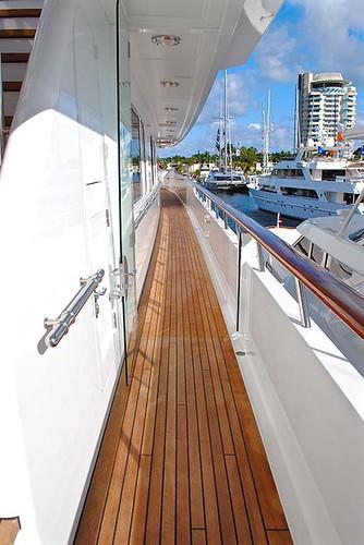 遊艇柚木甲板