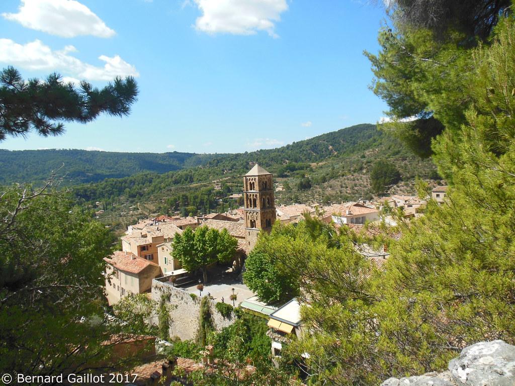 Moustiers sainte marie alpes de haute provence france for Haute provence