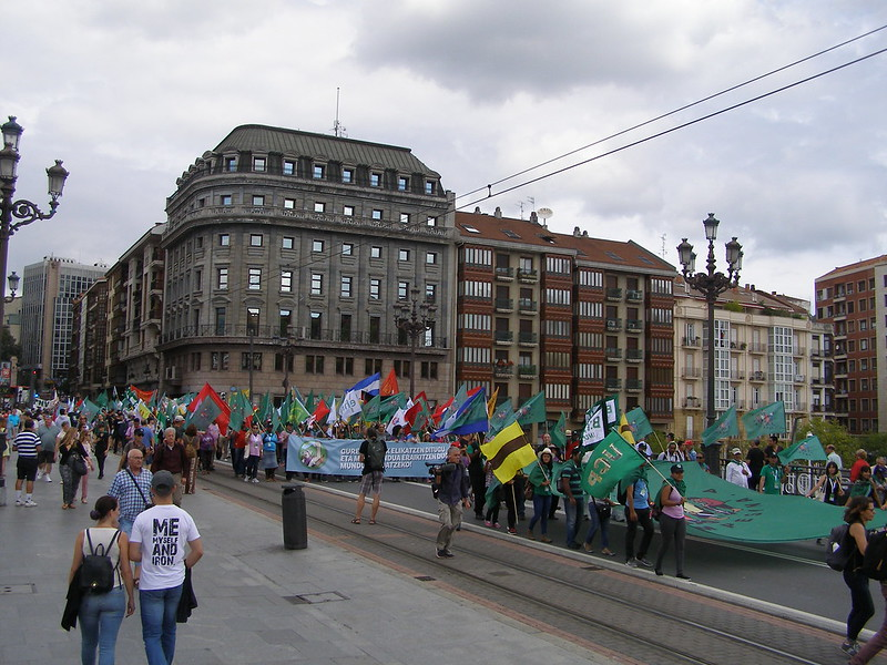 Bilbao se puso el pañuelo de LVC