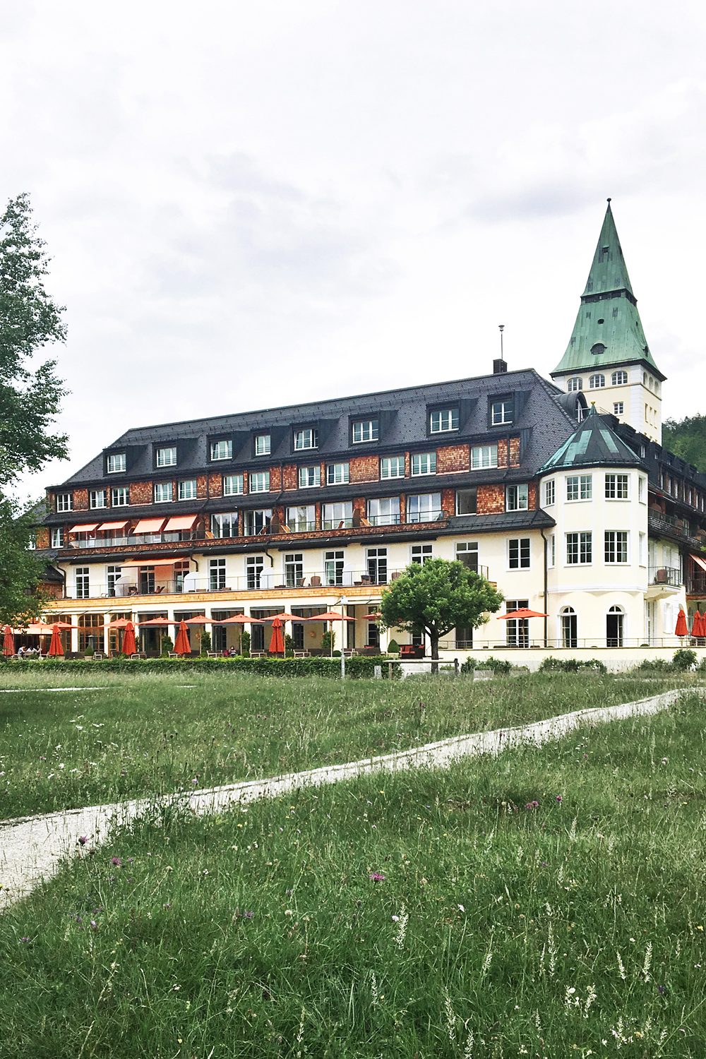 05germany-schlosselmau-luxury-resort-travel