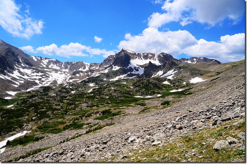 Mount Neva from Arapahoe Pass trail