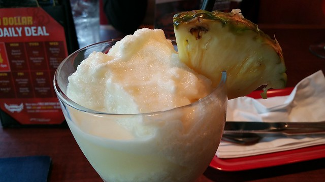 2017-Jul-17 Red Robin - coconut pineapple smoothie