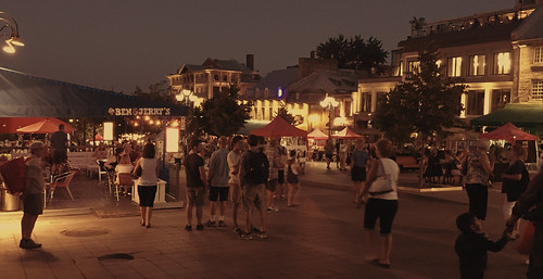 Night on Place Jacques Cartier