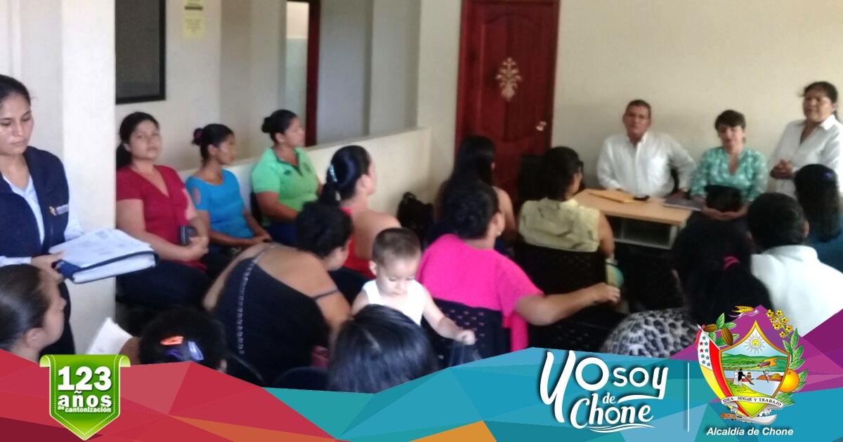 Alcaldía de Chone realiza taller de emprendimiento en Chibunga