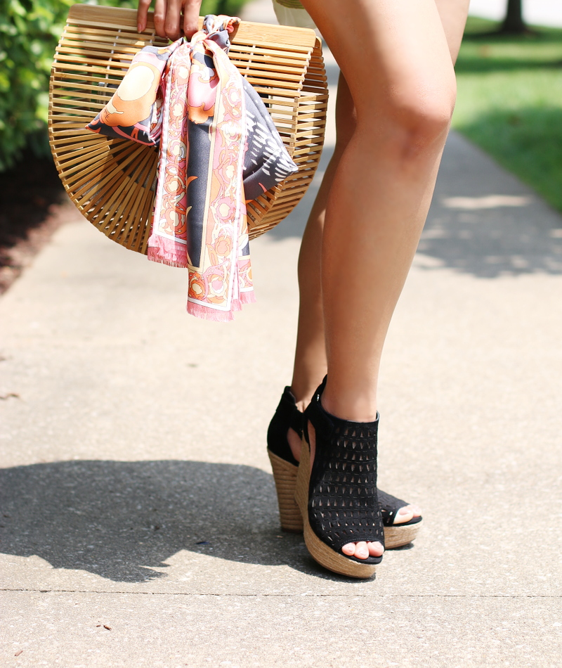 wooden-bag-scarf-shorts-wedges-sandals-7
