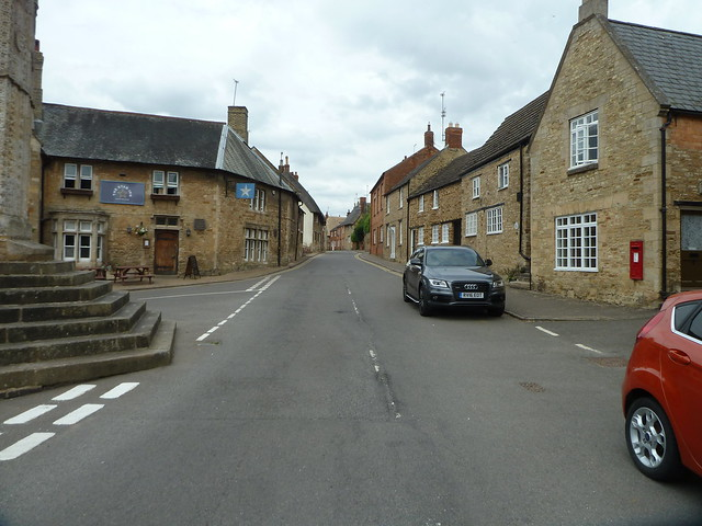 Geddington Village, Panasonic DMC-TZ8
