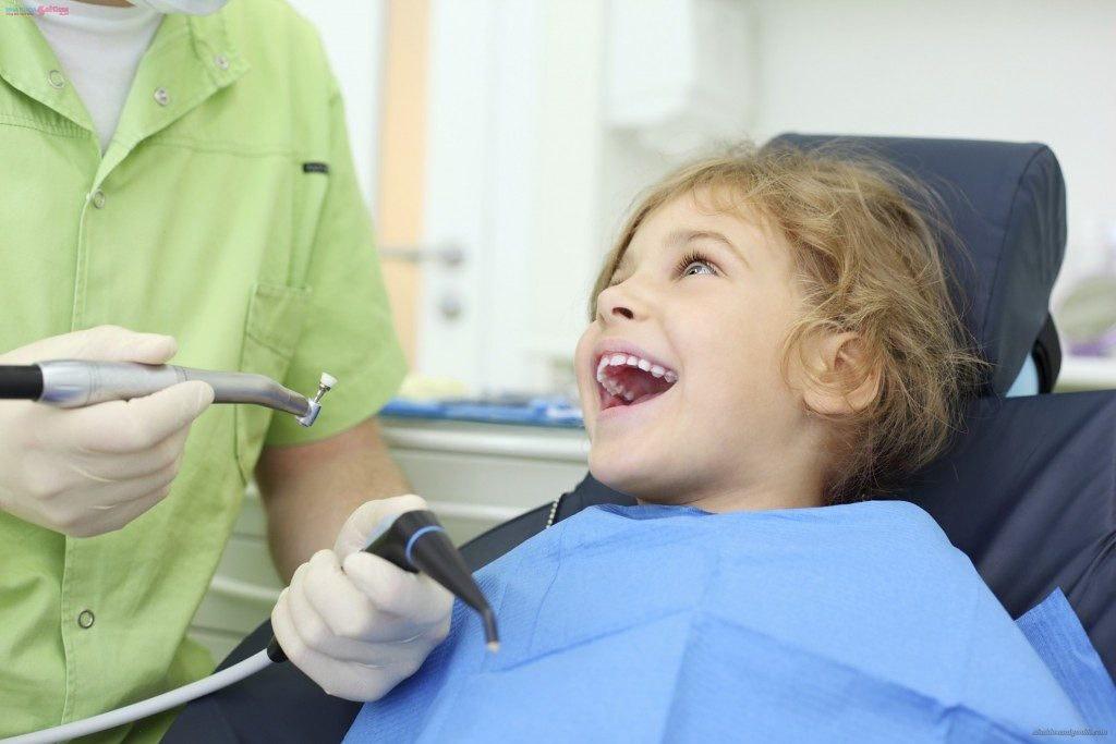 Khi nào cho trẻ đi khám răng là phù hợp?