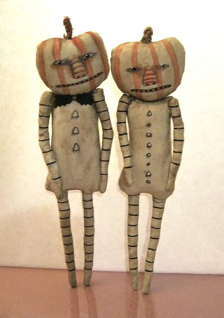 Halloween pumpkin guys Sandy Mastroni < art dolls