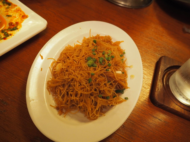 P6243739 Koh Lan Ta Restaurant & Karaoke at Suvarnabhumi thailand bangkok タイ バンコク