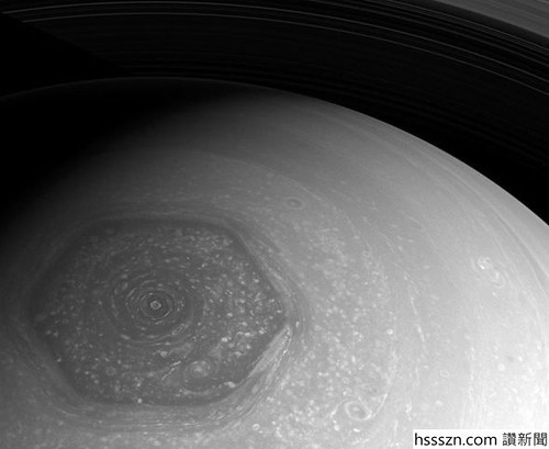 Alien-geometry-Why-is-Saturn-s-north-pole-a-perfectly-formed-hexagon-1006084_590_483