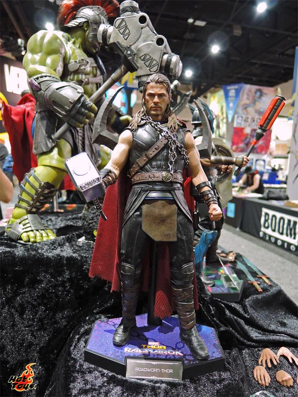 Hot Thoys Thor Ragnarok Road Worn Version