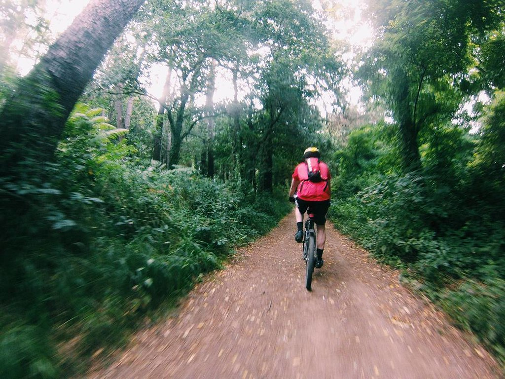 Mañana de domingo haciendo deporte en un entorno espectacular. #biking #galifornia #gopro #whilebiking #photography #vsco