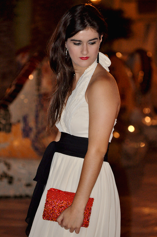 BCBG max azria halter dress black and white, fashion bloggers spain españa blogger moda somethingfashion, party dress ideas outfit streetstyle elegant red sandals
