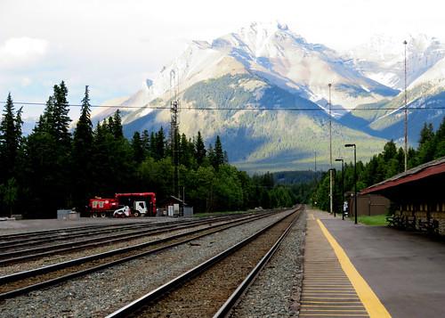 britishcolumbia canada canadianrockies alberta banff banffrailwaystation greatcanadianrailtours rockymountaineer rainforesttogoldrush mountain scenic cascademountain