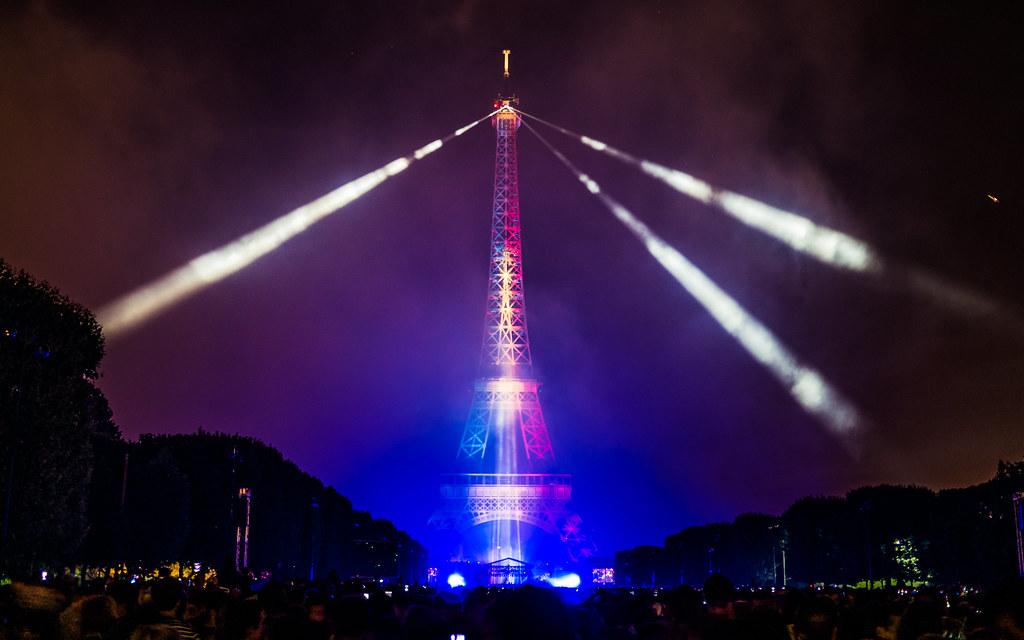 Feu Du0026#x27;artifice Du 14 Juillet 2017 Depuis Le Champ De Mars à Paris,  Devant La Tour Eiffel, Bastille Day 2017 By Yann Caradec, On Flickr