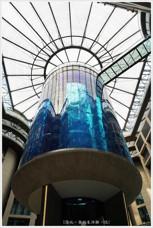 柏林-圓柱魚缸-1
