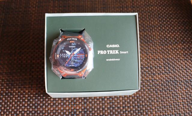 PRO TREK Smart WSD-F20 箱