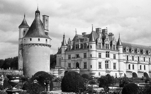 8697.Castle