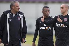 Agora no Galo, F�bio Santos e Elias reeditam parceria campe�