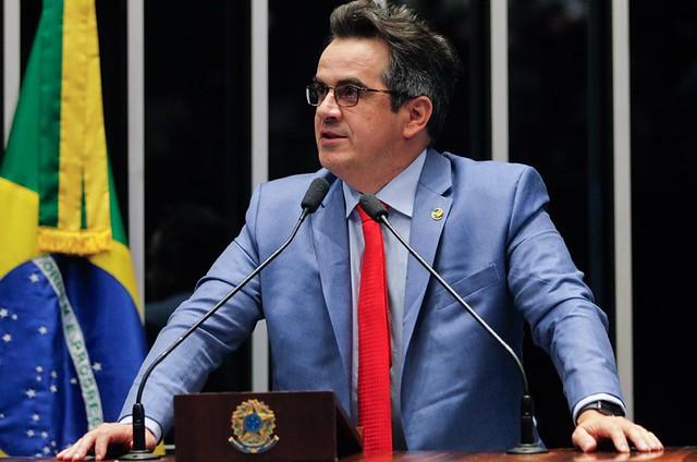 Mil famílias sem-terra ocupam fazenda improdutiva do senador Ciro Nogueira, no Piauí
