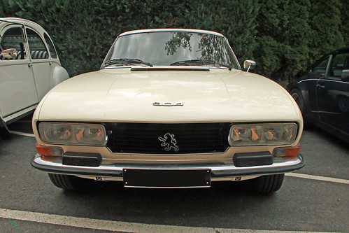 Peugeot 504 coupé face