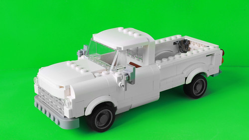 The regular version of the pick up from the Lego Batman Movie Killer Croc set