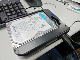 安裝硬碟的樣子