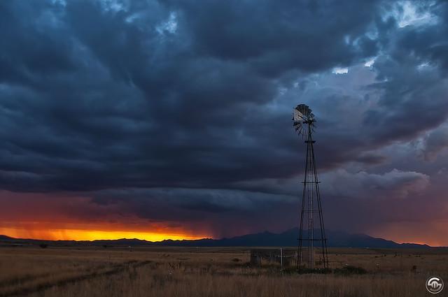 Stormy Sunset, Nikon D90, Sigma 18-50mm F3.5-5.6 DC