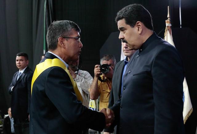 Dois dias antes de plebiscito da oposição, governo venezuelano defende acordo de paz