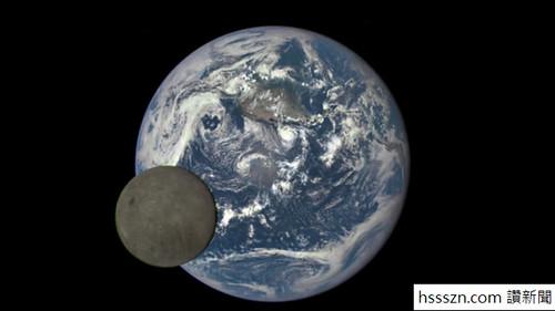 Moon-Spaceship 4