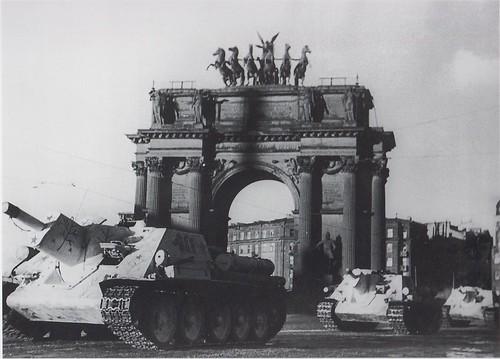 SU-122's passing  the Narva gate in Leningrad March-April 1943
