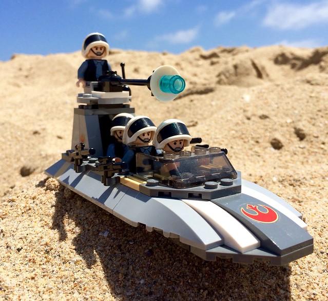 Set 7668: Rebel Scout Speeder