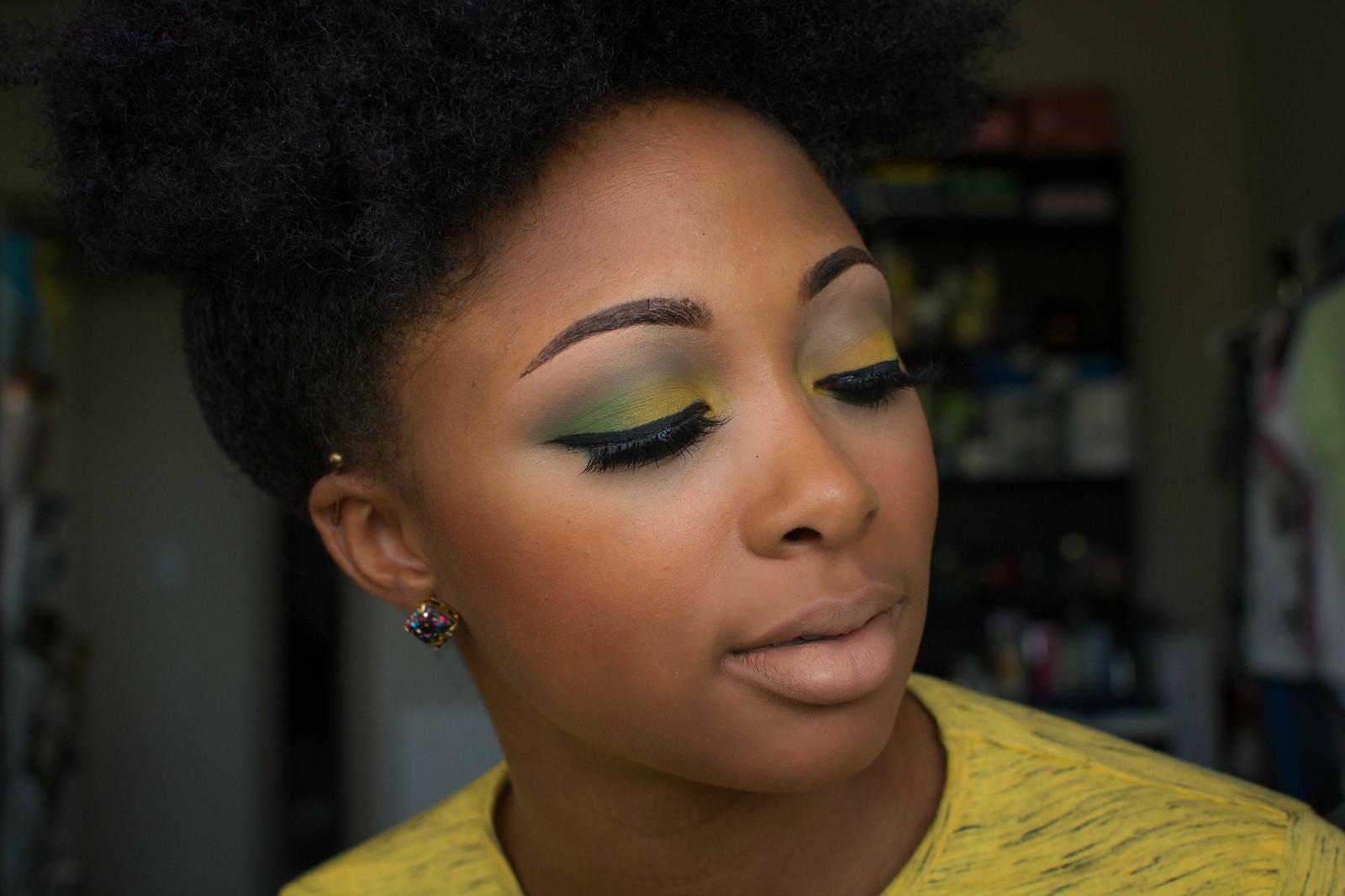 how to wear false eye lashes