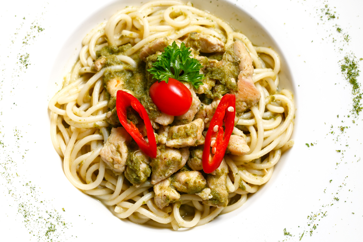 Blue Ribbon Green Curry Chicken Pasta