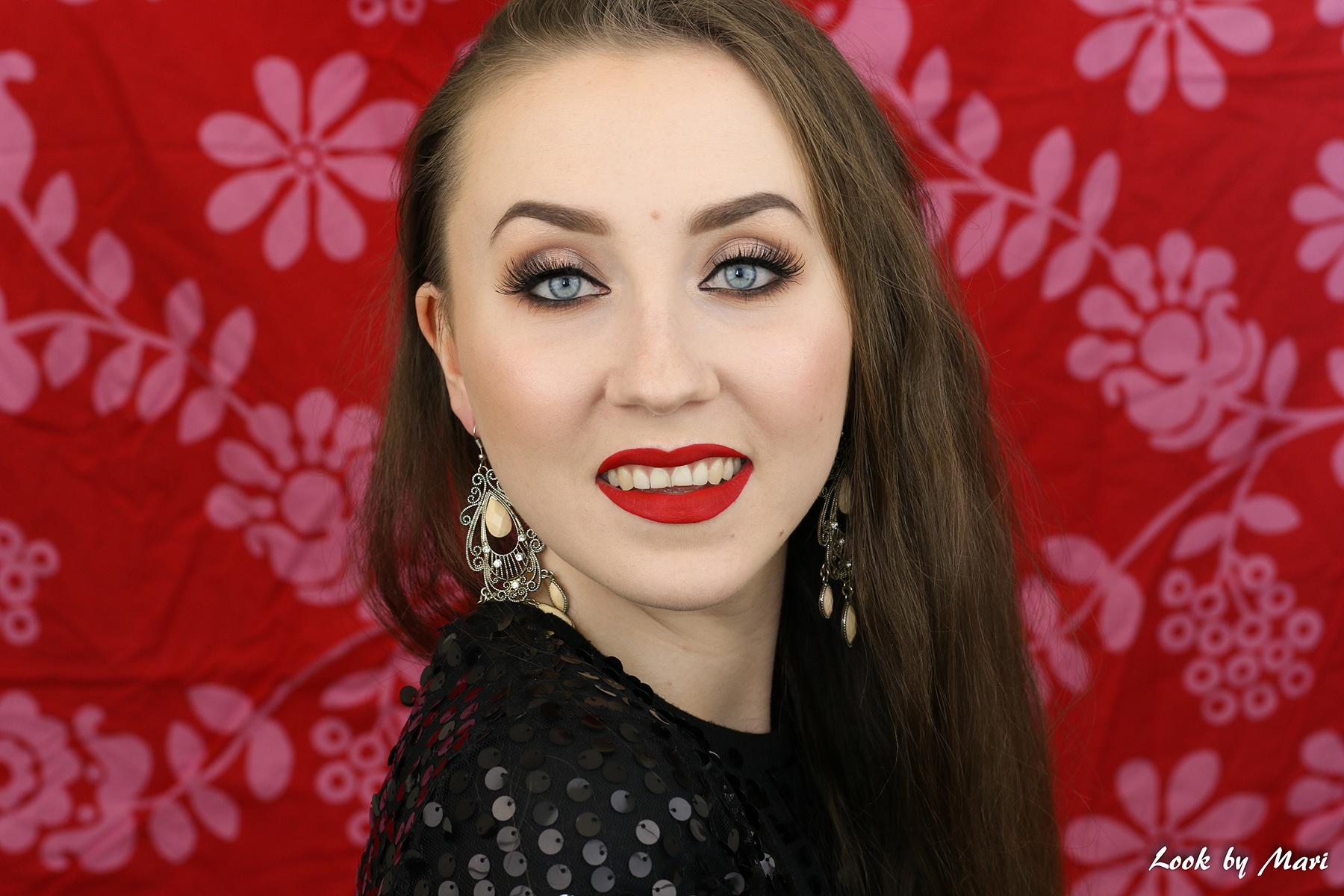 8 klassinen meikki punaiset silmät sumusilmät smoky eyes tutoriaali blogi meikki