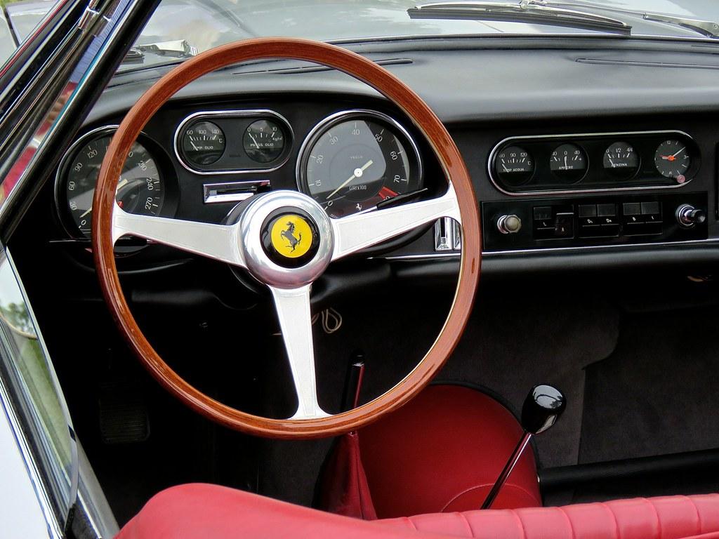 Ferrari 275 NART Spider Silver 16