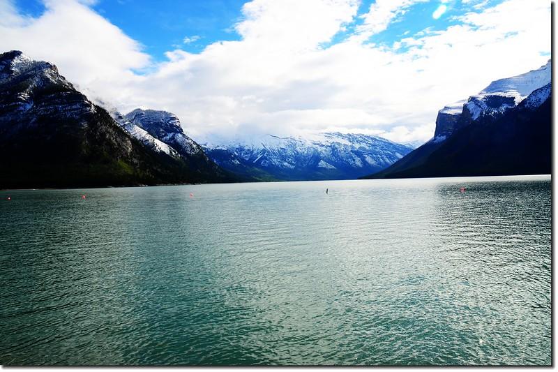 Lake Minnewanka 4