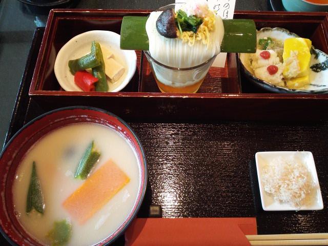 小倉山荘のお食事