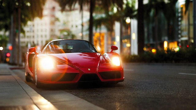 ferrari_enzo_red_side_view_105586_1920x1080
