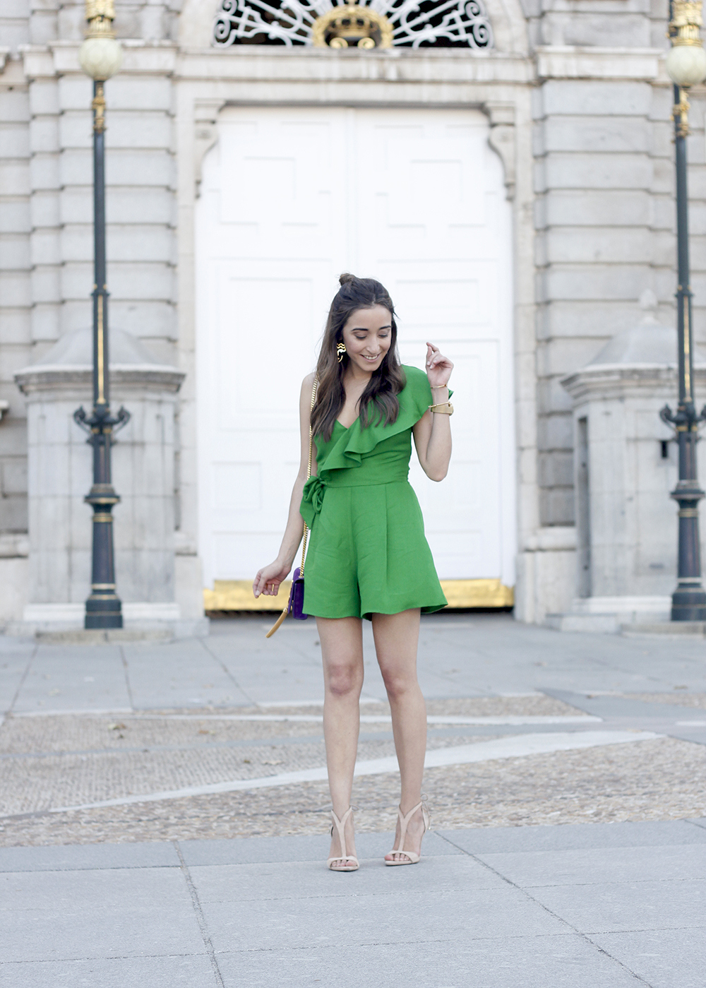 Green jumpsuit ysl bag heels uterqüe accessories summer outfit fashion05