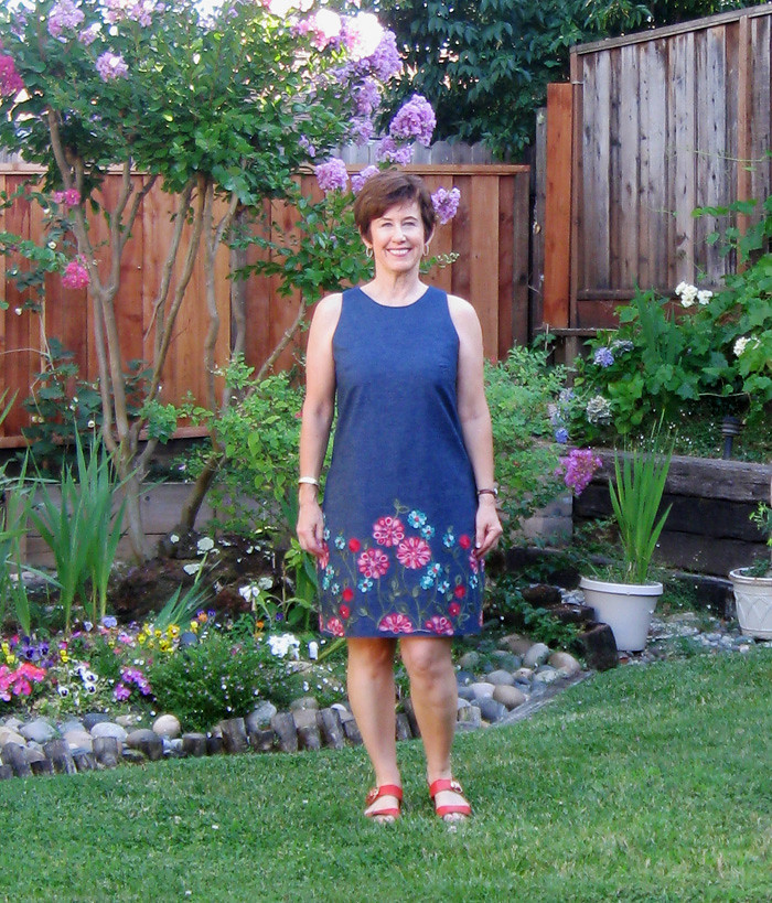 flower denim dress in garden1