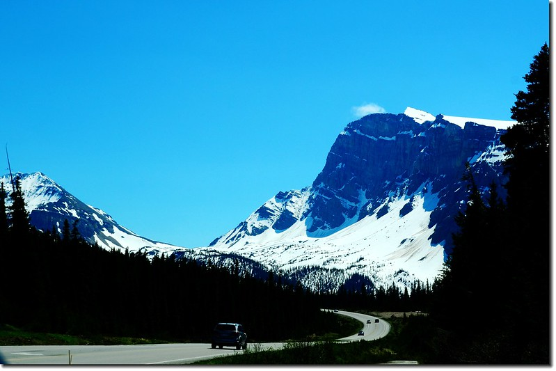 The scenery along  AB-93 N(Icefields Parkway) (7)