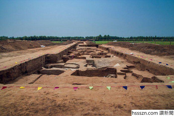 239872347-graves-china-2_700_466