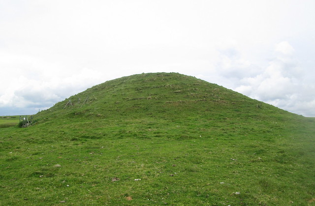Maeshowe From South